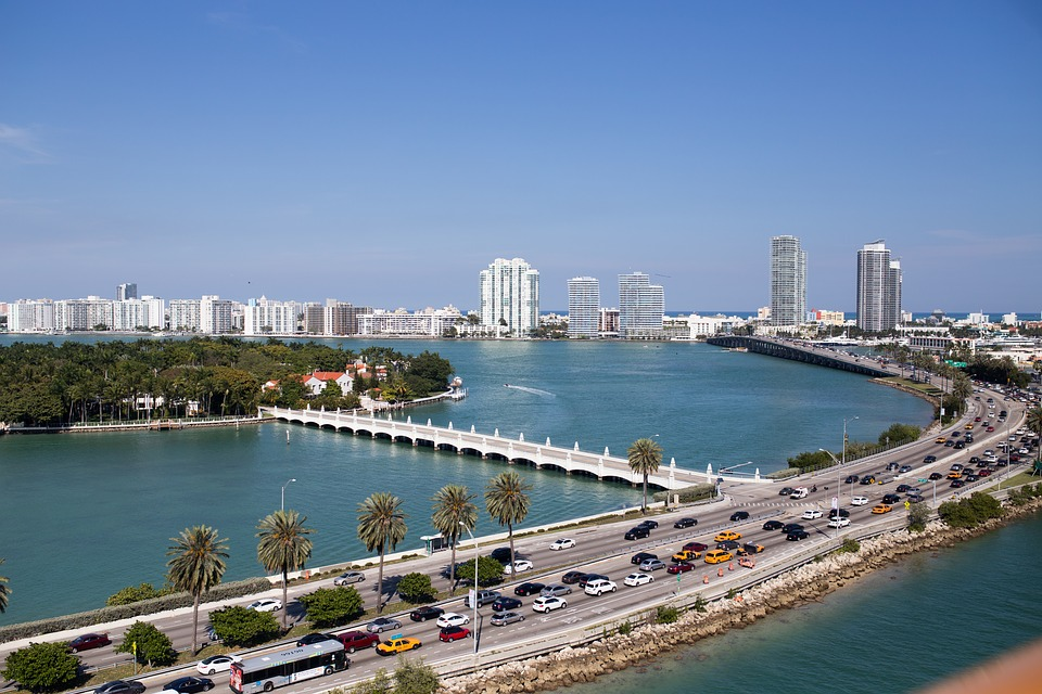 Skyline image of Miami traffic jams.
