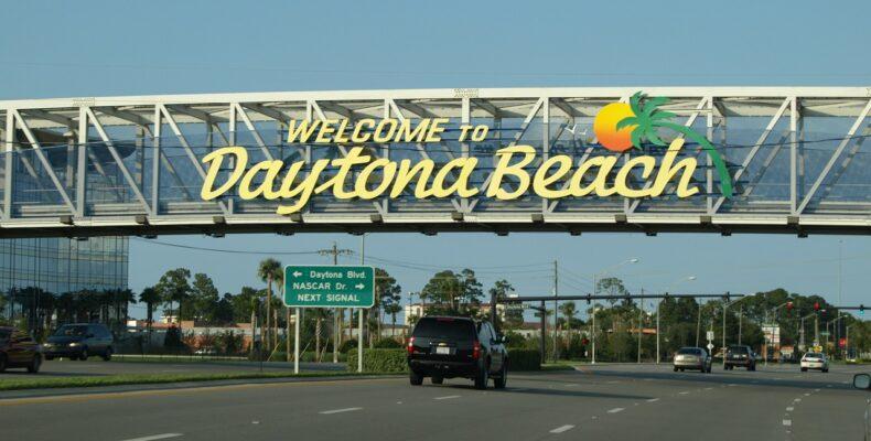 Daytona Beach sign.