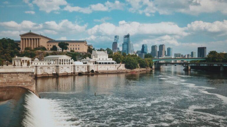 Delaware river running through Philadelphia