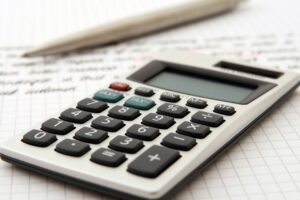 A calculator to set the costs when moving to Miami this year.