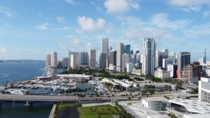 Miami. Learn how to prepare for leaving Chicago for Miami.